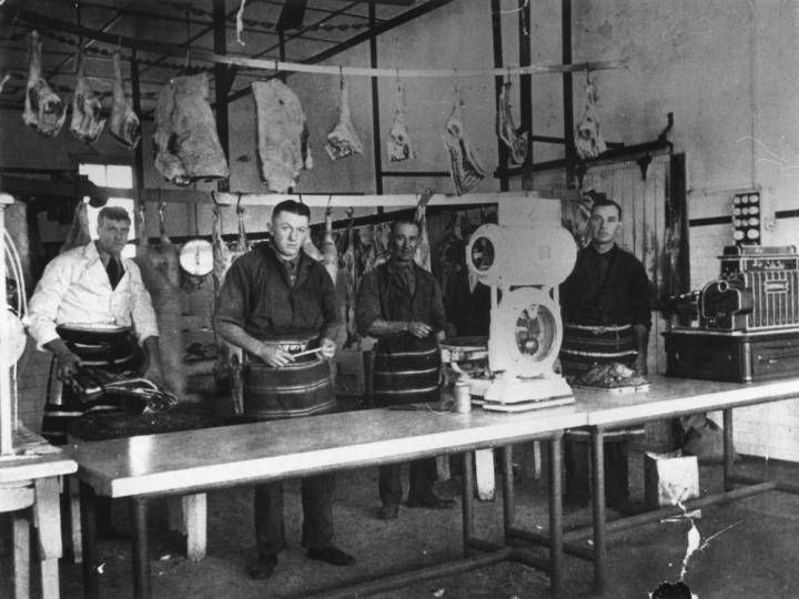 StateLibQld_1_96744_Butchers_at_work_in_Platz_Brothers'_Butchery,_Toowoomba,_1935